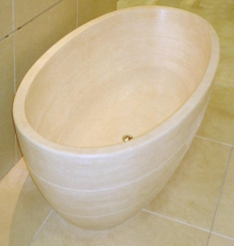 Badewanne massiv aus Travertin